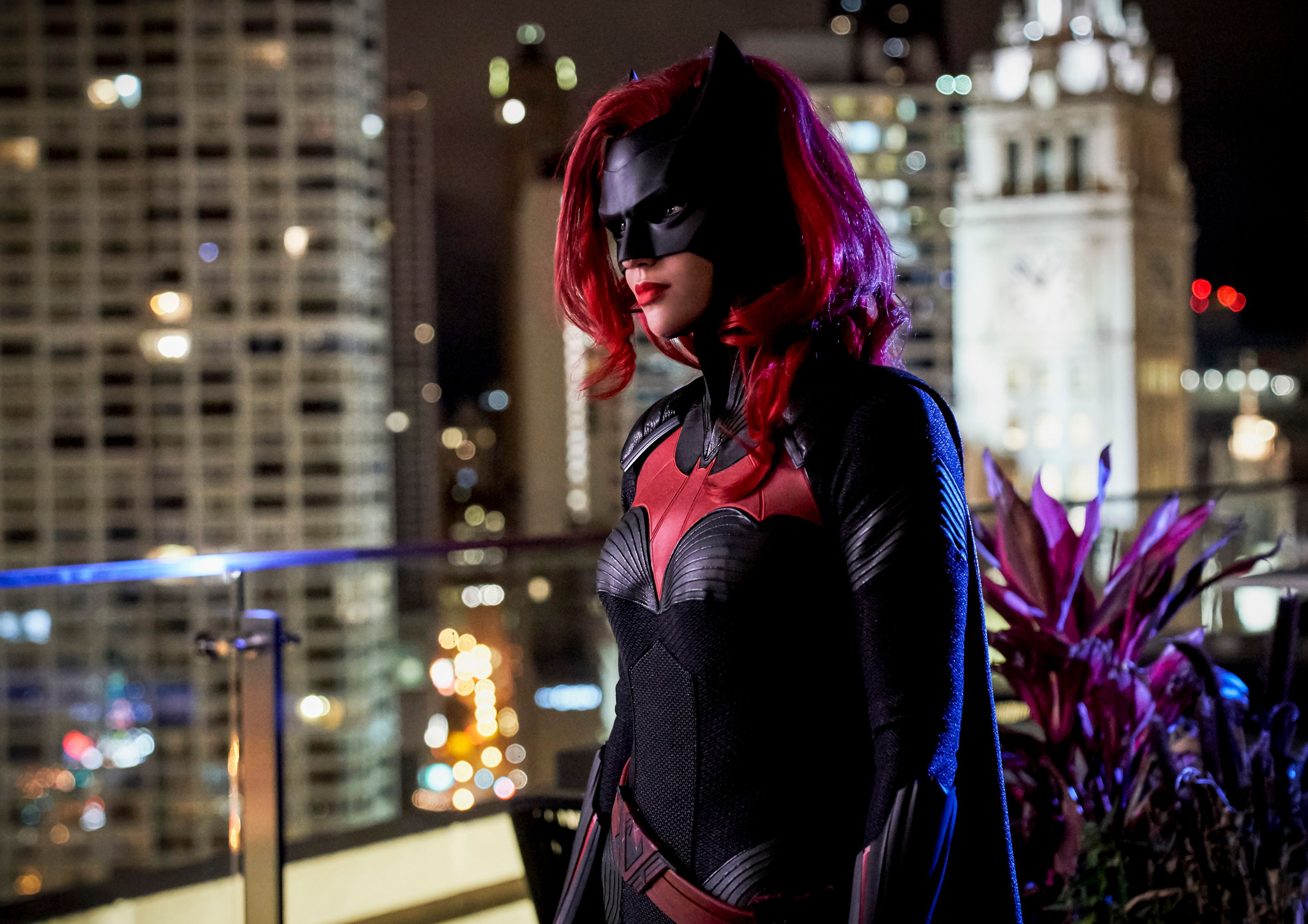 batwoman confirms key justice league member exists in arrowverse Batwoman and Flamebird