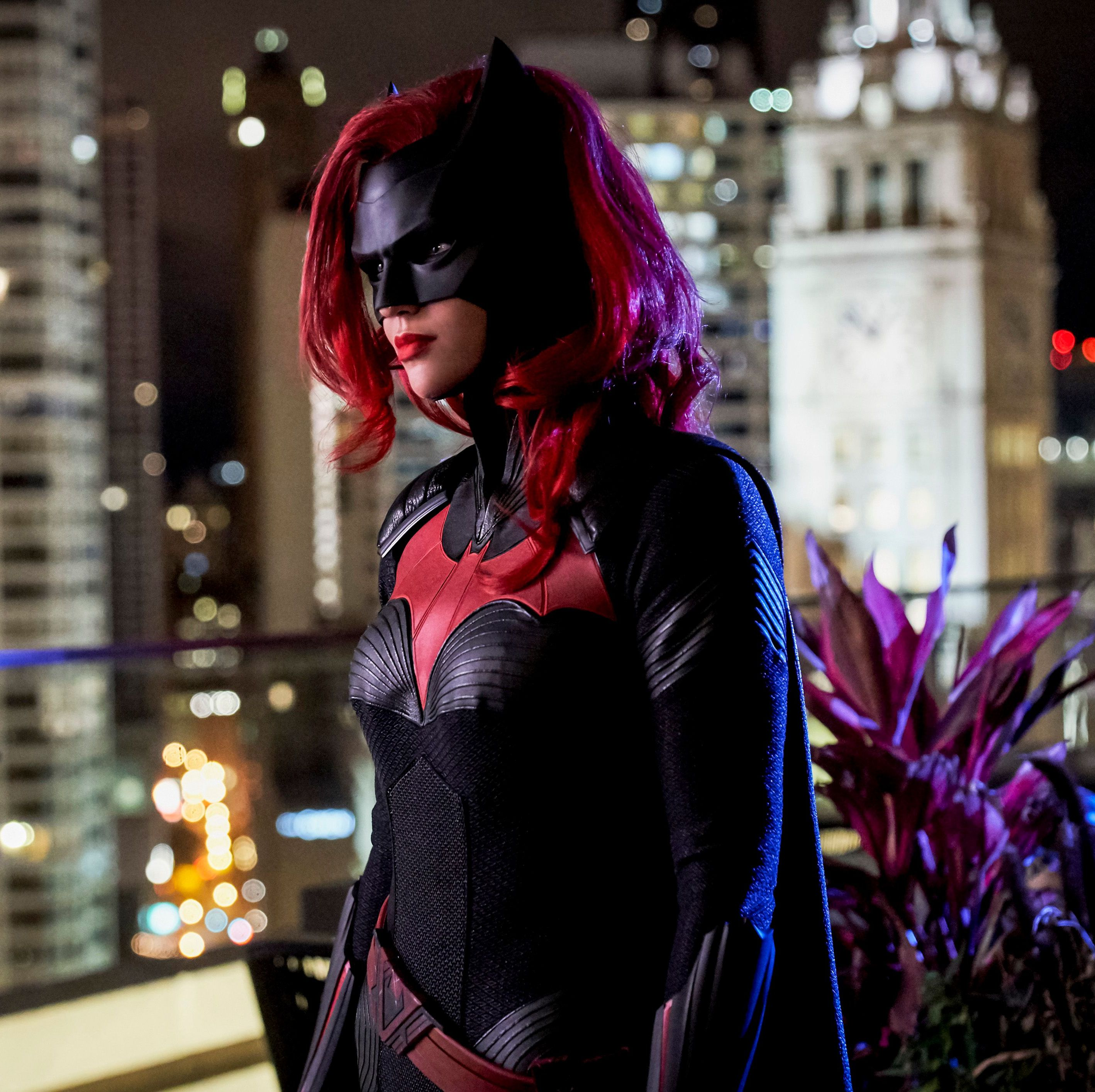 The CW's Batwoman casts Fear the Walking Dead actor as the superhero's father