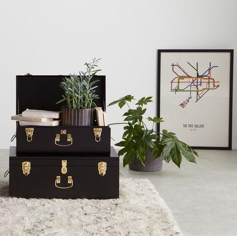baúles vintage de color negro
