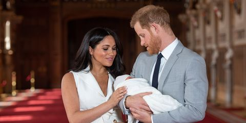 Los duques de Sussex presentan a Archie.