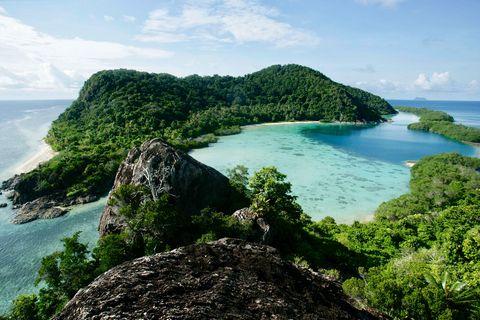 Body of water, Nature, Natural landscape, Coast, Sea, Promontory, Coastal and oceanic landforms, Tropics, Headland, Islet,