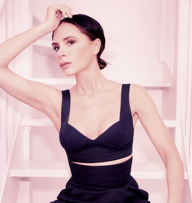 black, clothing, shoulder, beauty, sitting, skin, sportswear, model, photo shoot, leg,