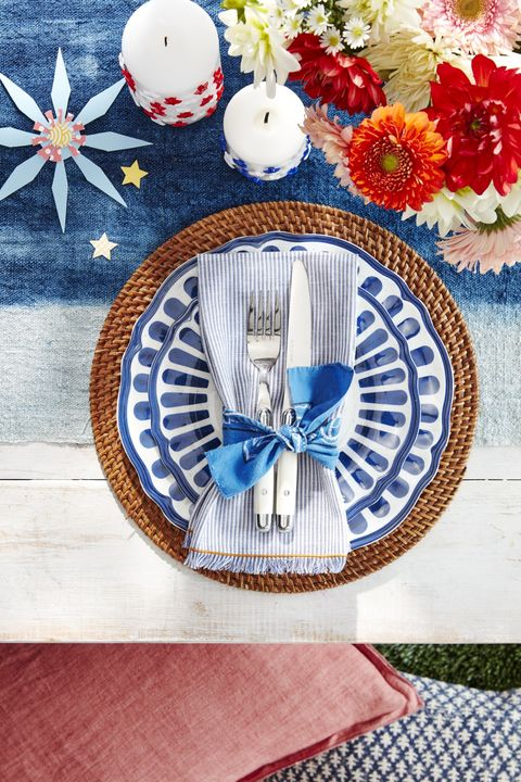 bbq party barn party place setting
