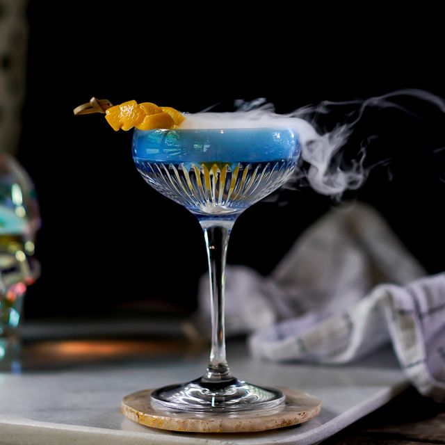 36 Easy Halloween Cocktails Best Alcoholic Halloween Party Drink Ideas