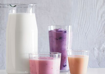 Liquid, Drink, Ingredient, Health shake, Juice, Milk, Vegetable juice, Tableware, Magenta, Smoothie,