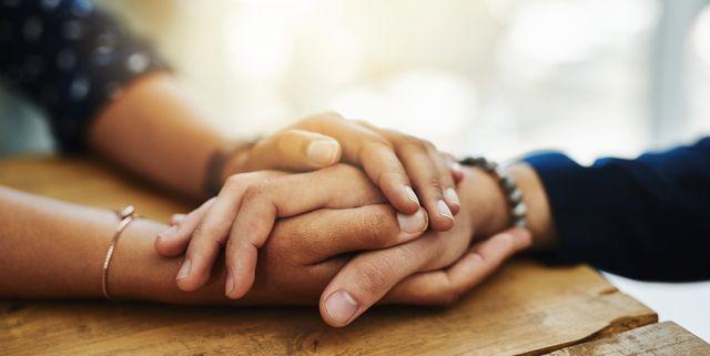 メンタルヘルス上の問題を抱えていても、満足な治療を受けられずに、つらい思いをしている人がたくさんいるのが事実。これまでもメンタルヘルスのサポート方法を発信してきた<グッド・ハウスキーピング>から、うつ病についての基礎知識についてまとめた記事をご紹介。正しい知識を知ることが、友人や家族、そして自分自身を救う力になるはず。