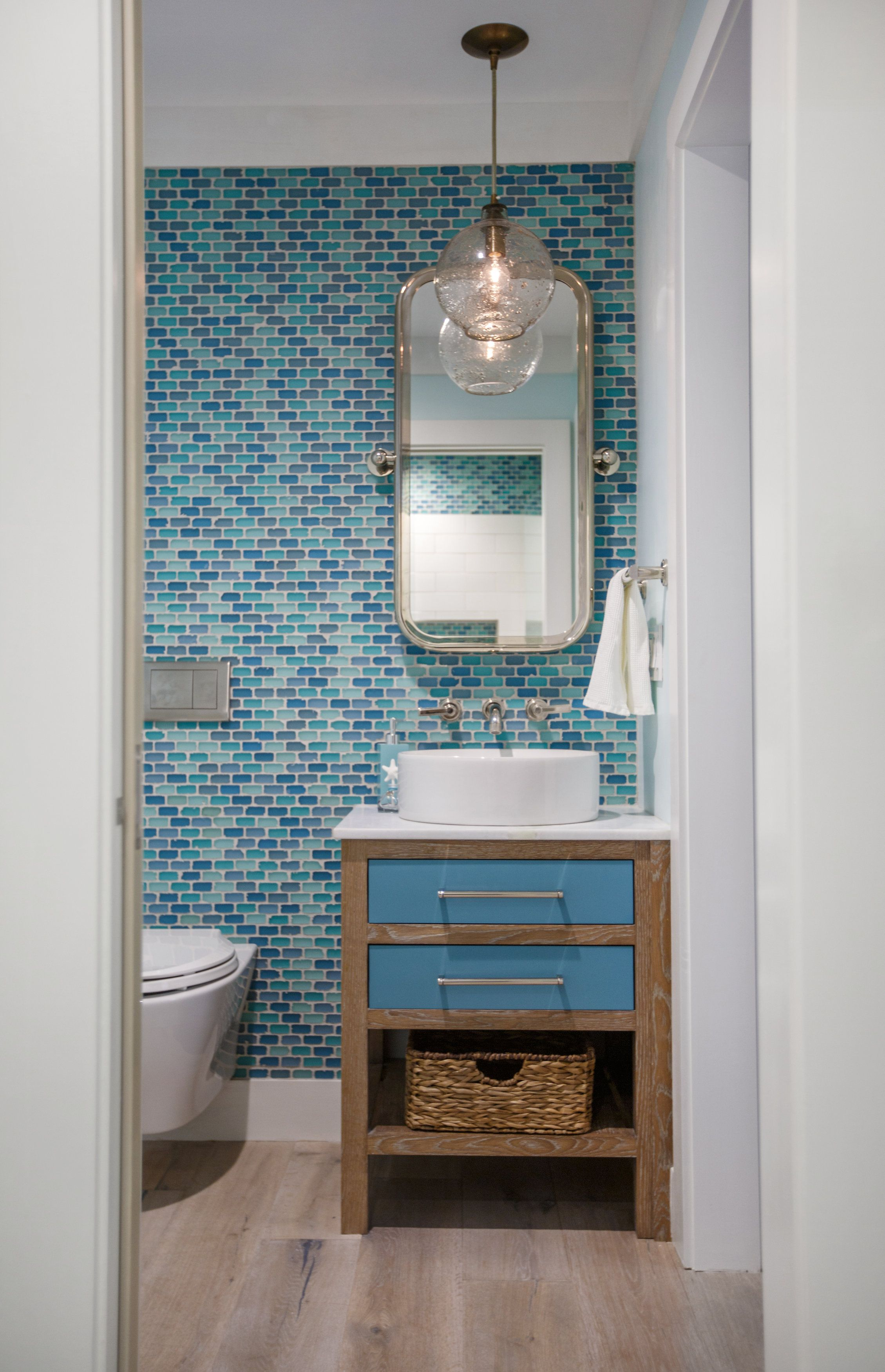 20 Beach Bathroom Decor Ideas - Beach Themed Bathroom Decorating