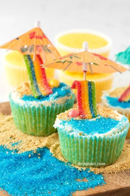 beach cupcakes hawaiian party