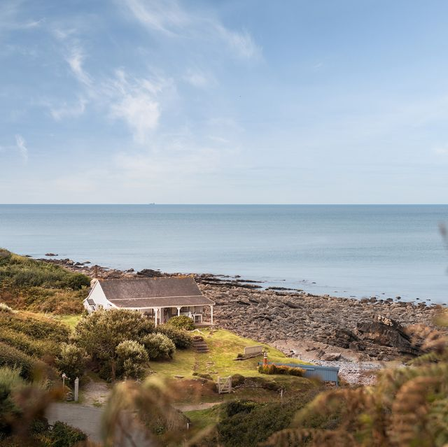 this former 1920s tearoom with 40 acres of land is for sale in cornwall