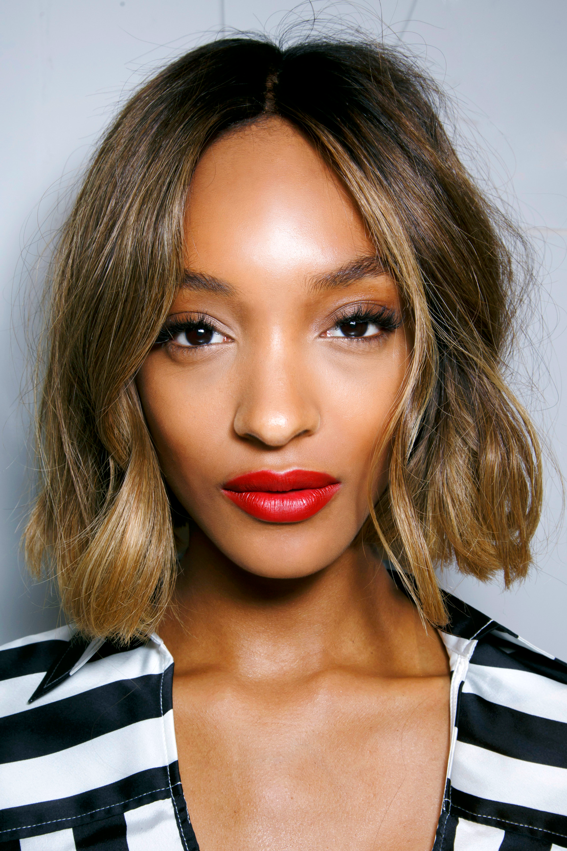 How To Get Beach Waves On Short Hair The 7 Easiest Tutorials