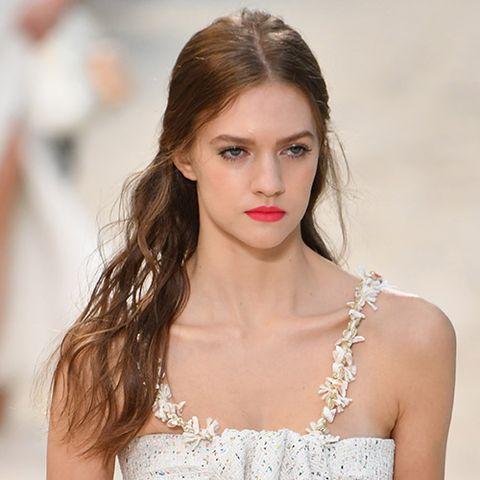 Chanel\'s rich beach hair at Paris Fashion Week - Spring ...