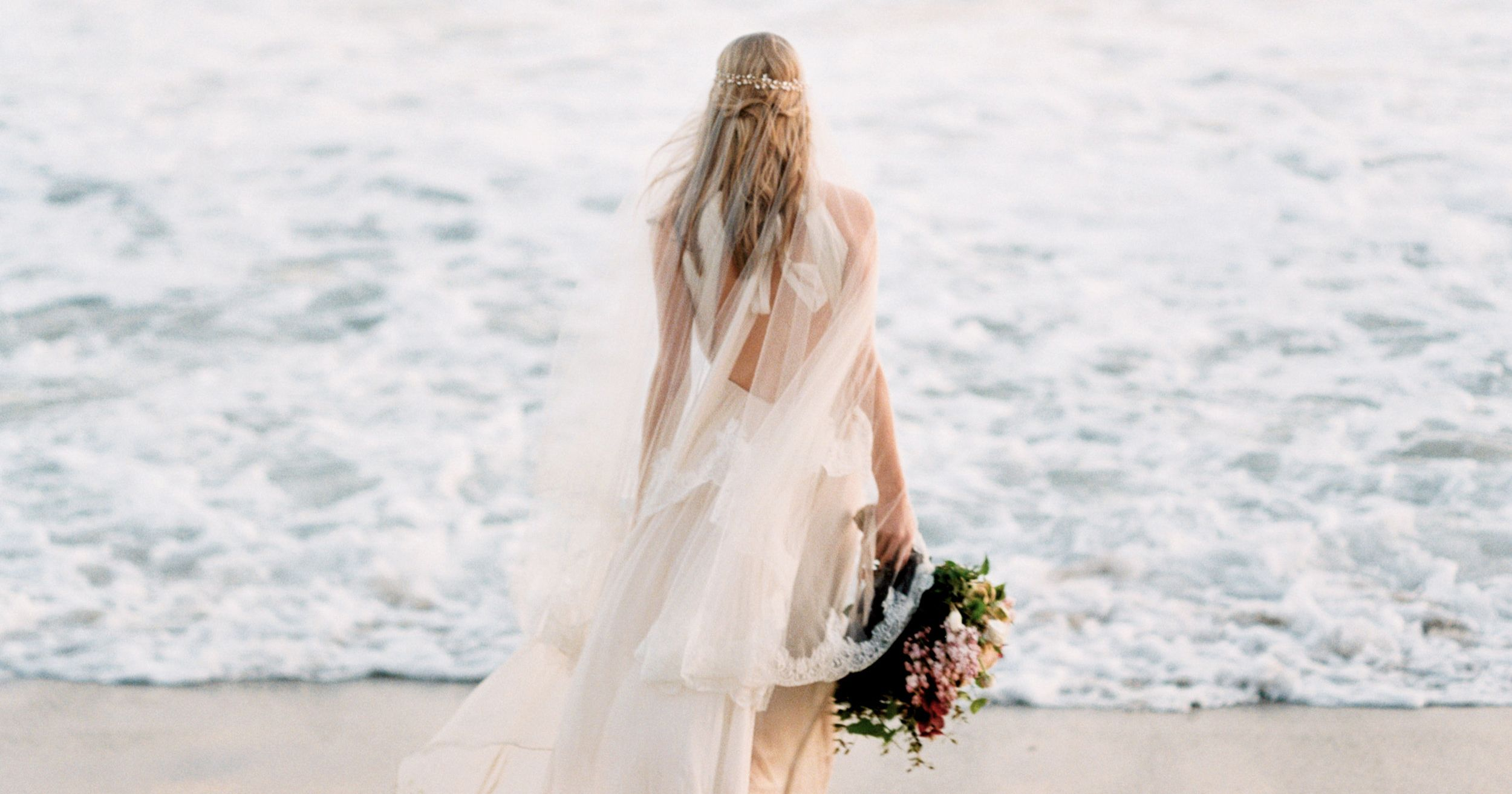 Beach Wedding Dresses 23 Best Bridal Beach Dresses