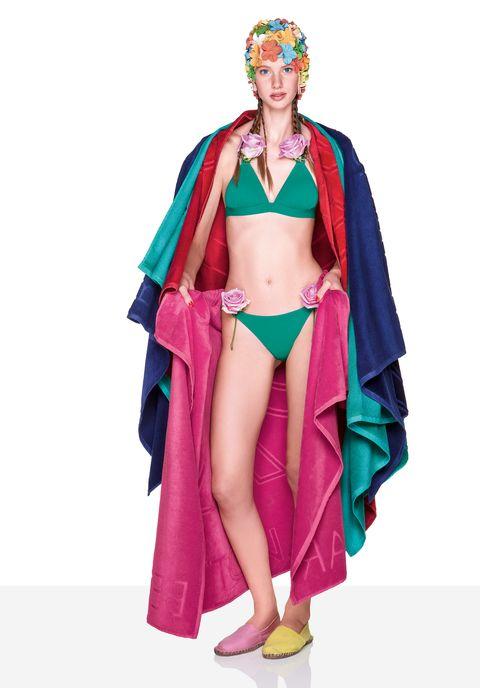 5f210d22a9 La nuova linea Bio Beachwear di Benetton sarà in vendita negli store  Undercolors in Italia, Spagna, Grecia, Portogallo e Russia e sul sito  e-commerce ...
