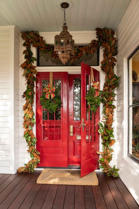 red door with garlands