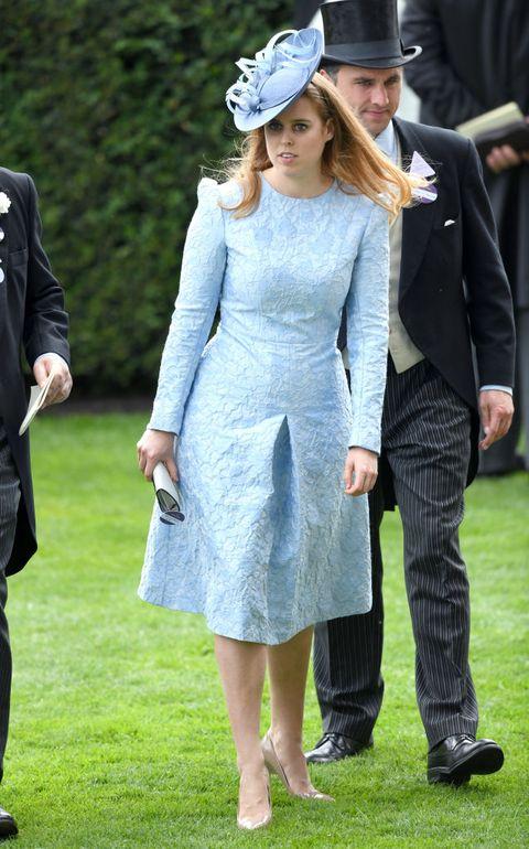 Clothing, Dress, Fashion, Formal wear, Footwear, Suit, Headgear, Outerwear, Event, Hat,