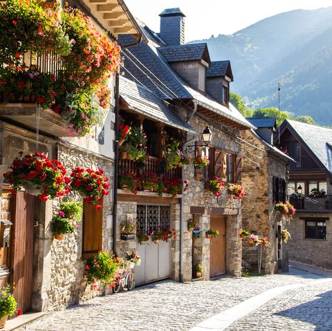 Towns For Sale 2019 How To Buy An Entire Town In Europe And Usa