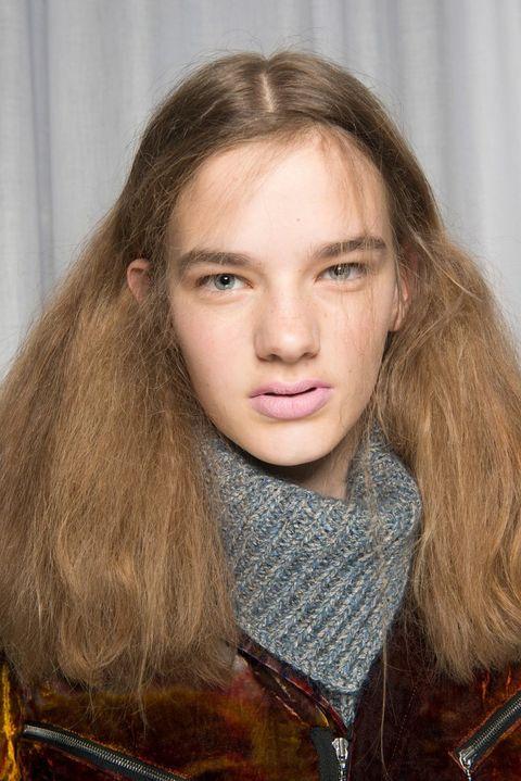 Hair, Face, Eyebrow, Hairstyle, Lip, Blond, Long hair, Beauty, Chin, Brown hair,