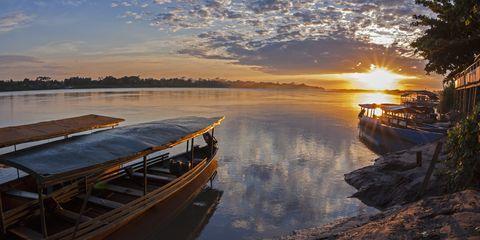 Sky, Water, Nature, Sunset, Water transportation, Morning, Cloud, Sunrise, River, Evening,