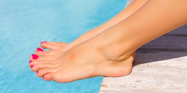 how to take care of cracked heels