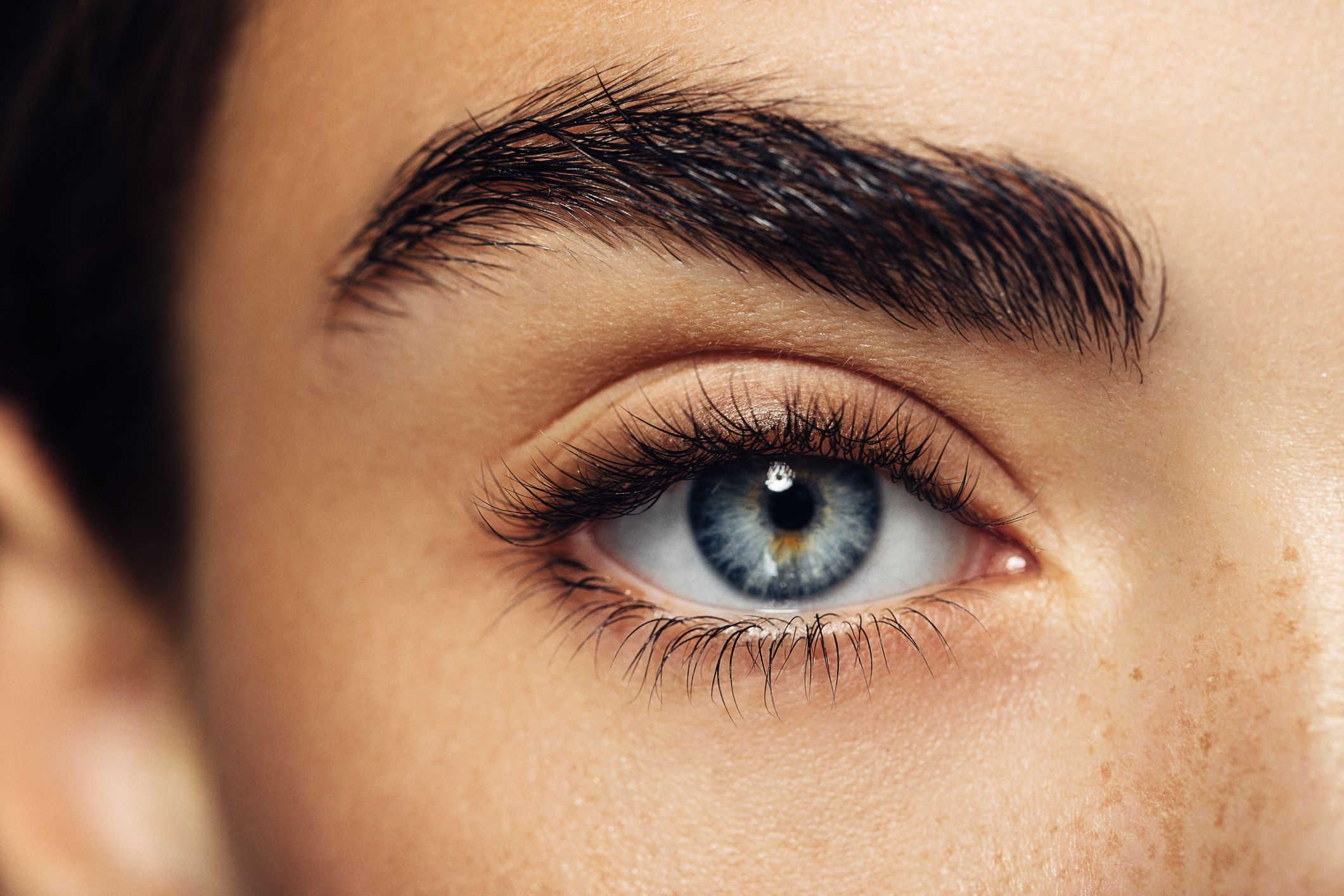 How to Thread Eyebrows At Home - DIY Brow Threading Hair Removal