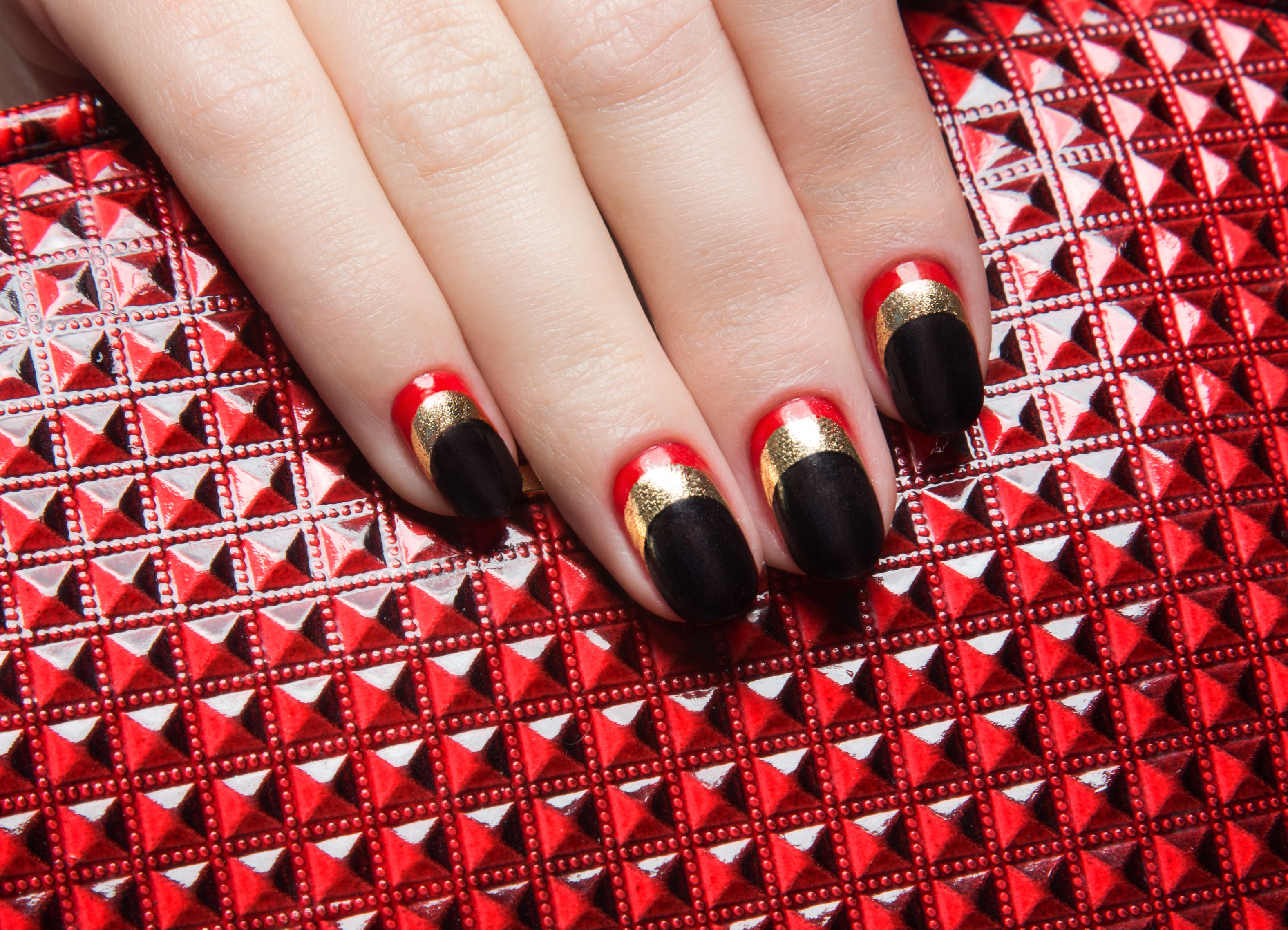10 Best Red and Gold Nails , Red and Gold Nail Designs