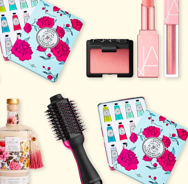 Best Makeup Gifts Christmas 2020 36 Best Beauty Gifts 2020   Makeup and Skincare Gift Sets for Her
