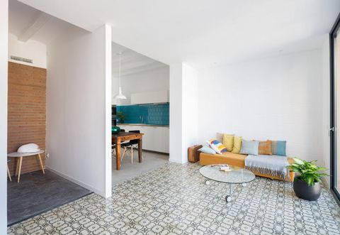Floor, Room, Interior design, Flooring, Flowerpot, Wall, Furniture, Couch, Table, Interior design,