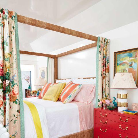 Bed, Furniture, Bedroom, Room, Red, Interior design, Property, Bed frame, Bed sheet, Orange,