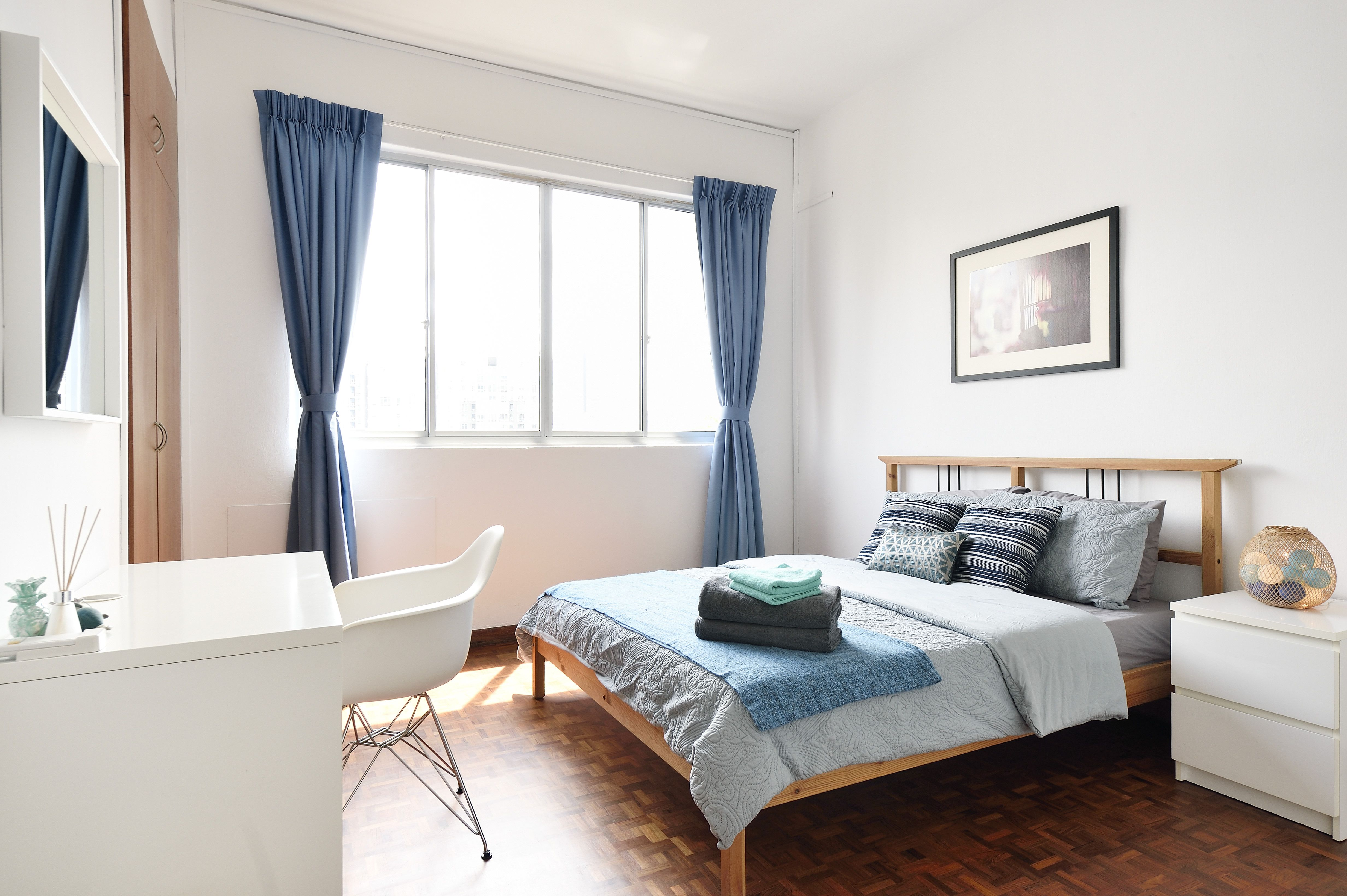 19 small bedroom ideas to create more space in your tiny room