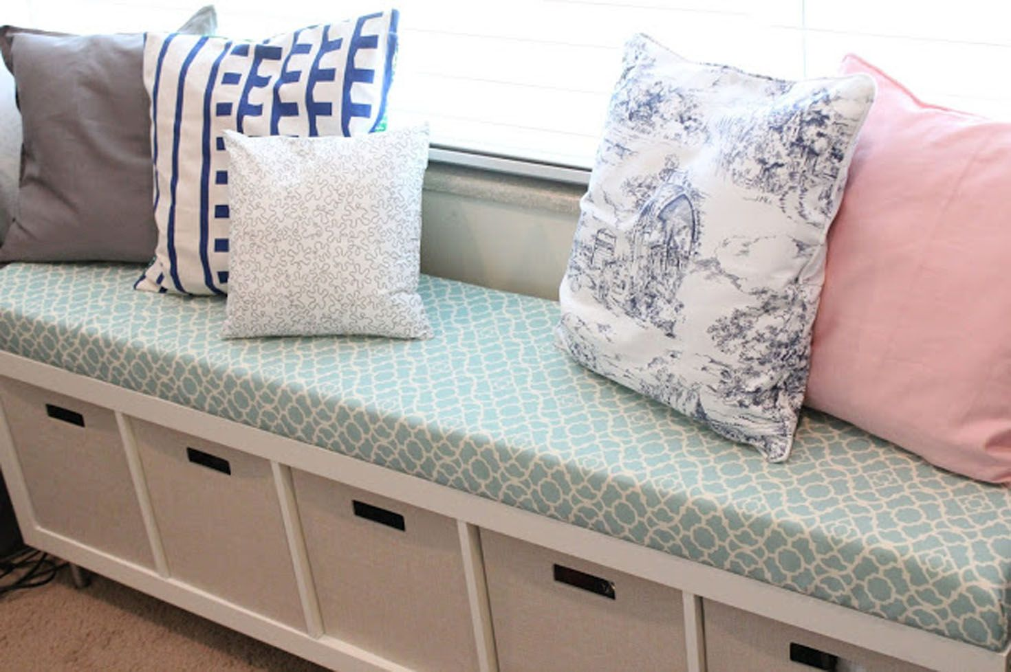 12 Easy Ways to Keep Your Bedroom Organized