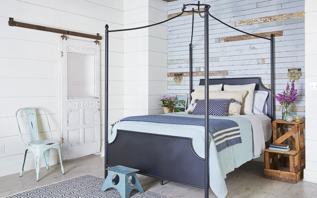 24 Creative Ideas for Bedroom Wall Decor