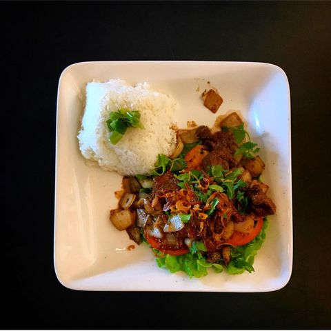 Dish, Food, Cuisine, White rice, Steamed rice, Jasmine rice, Ingredient, Lunch, Produce, Comfort food,