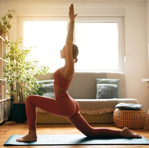 5分鐘睡前「舒眠伸展運動」拉伸肌肉線條讓體態更修長,還能放鬆身體與大腦