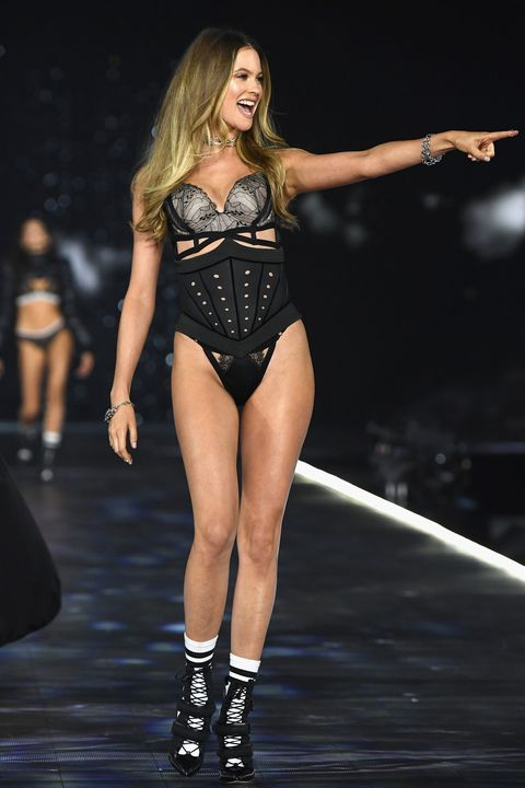 ea16f62e81 Behati Prinsloo returned to the Victoria s Secret catwalk last night after  two years