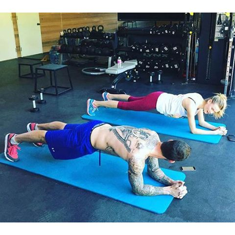 Physical fitness, Shoulder, Plank, Arm, Leg, Exercise, Joint, Press up, Abdomen, Pilates,