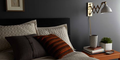 Behr Graphic Charcoal paint color on bedroom wall. #graphiccharcoal #behrgraphiccharcoal #paintcolors