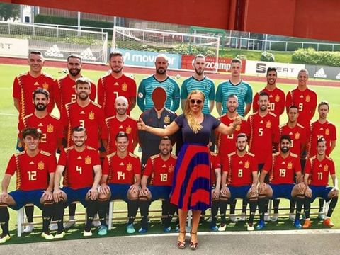 Team, Social group, Player, Team sport, Tournament, Sport venue, Sports, Soccer player, Football player, Championship,