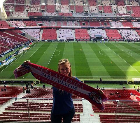 Sport venue, Stadium, Product, Fan, Red, Landmark, Soccer-specific stadium, Arena, Sky, Player,