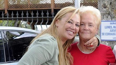 Belén Esteban y su madre Carmen Menéndez