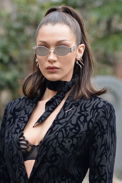 Eyewear, Hair, Glasses, Sunglasses, Beauty, Fashion, Hairstyle, Street fashion, Lip, Vision care,