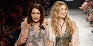 Bella and Gigi Hadid on the catwalk