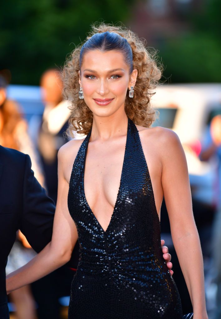 Bella and Gigi Hadid Look Like Twins Now, Thanks to Bella's Blonder Hair