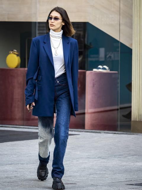 Bella Hadid tijdens Milan Fashion Week.