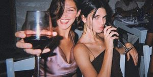 bella-hadid-kendall-jenner-wijn