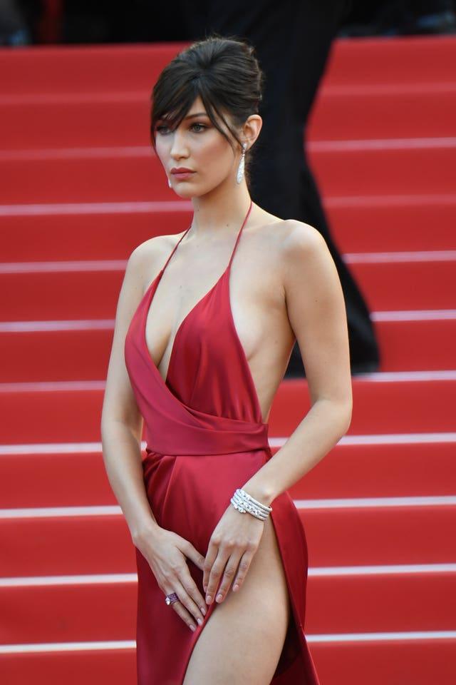 vestido rojo bella hadid zara cannes