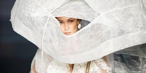 Bella Hadid als bruid