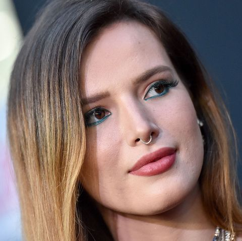 Bella Thorne kisses model - Bisexual coming out