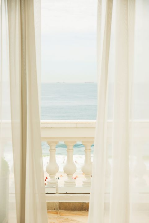 Curtain, White, Interior design, Room, Property, Window treatment, Textile, Window, Architecture, House,