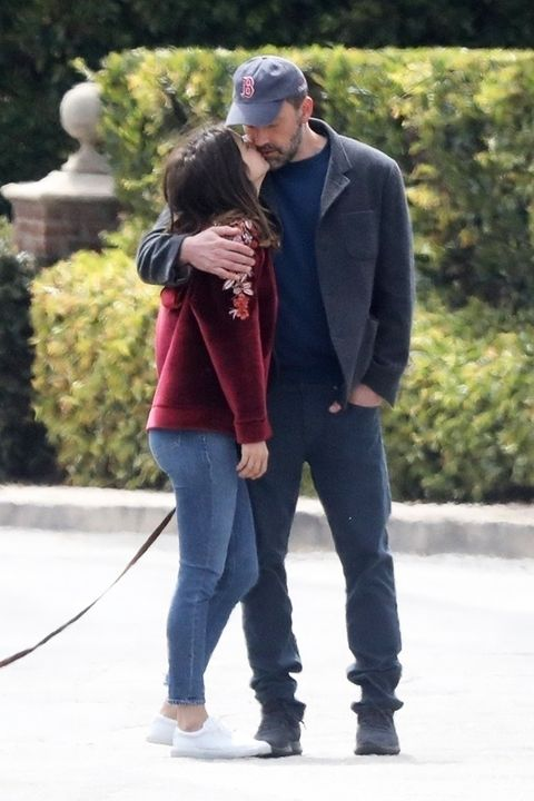 Ben Affleck and Ana de Armas Photographed Kissing Again ...