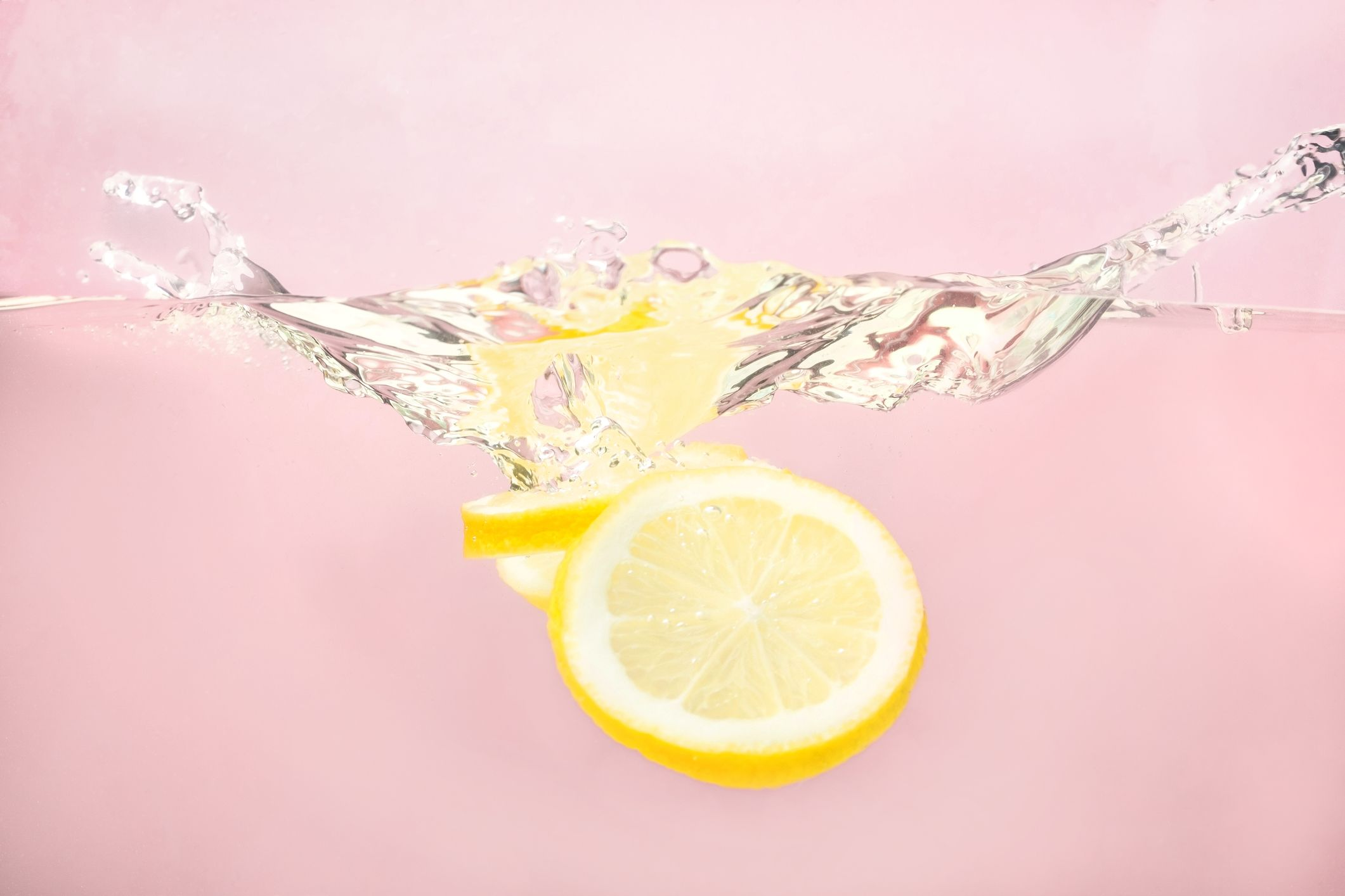 7 Benefits of Drinking Lemon Water, According to a Dietician